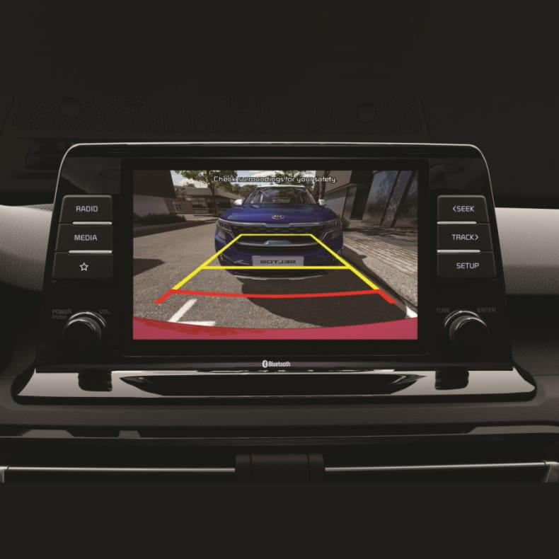 Камера заднего вида с динамическими линиями парковки