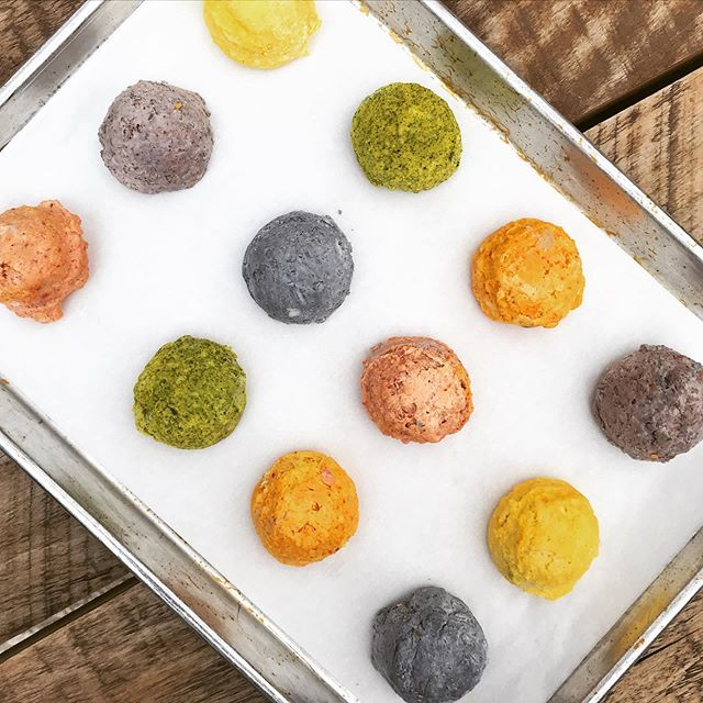 Pão de Queijo for Pride! This traditionally GF Brazilian cheese bread is made from cassava flour. We created a rainbow using beet powder, turmeric, nettles, chile piquín and butterfly pea flowers. All rainbow pão sales will go to benefit @bmoresafehaven an organization in our neighborhood working to provide outreach, drop-in and housing services for Baltimore's most vulnerable LGBTQ+ community members. Sold frozen with instructions to bake at home because they are best fresh out of the oven. #baltimorepride #rainbowpão #paodequeijo #translivesmatter #blacktranslivesmatter🌈