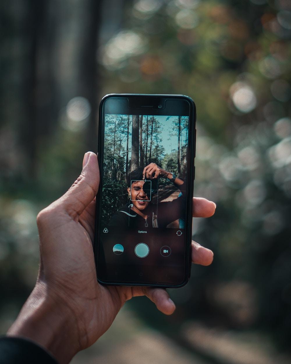 Tips dan Trik Selfie untuk Travel Blogger Pemula