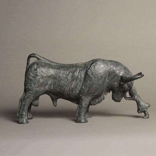 Sculpture réalisée par Sophie Verger en bronze d'un taureau.