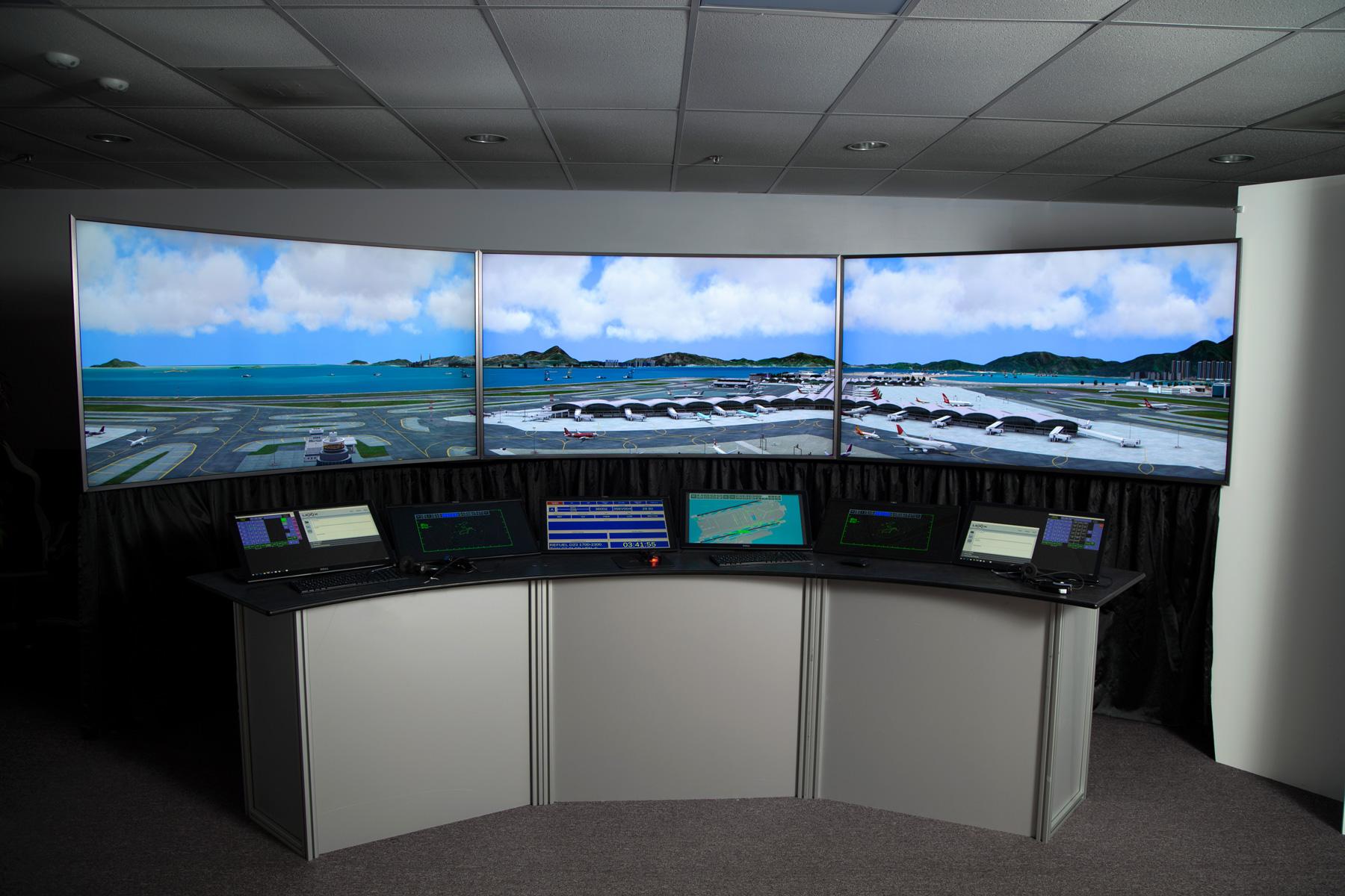 MxSim ATC - vaste bibliotheque d'aeroports et d'avions