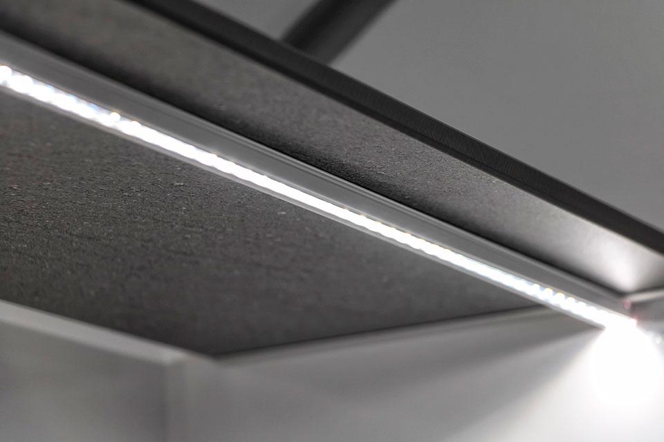 LED lys under hylder