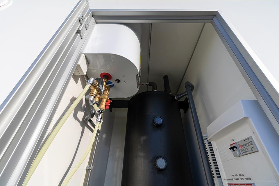 Vand-og kloaktank