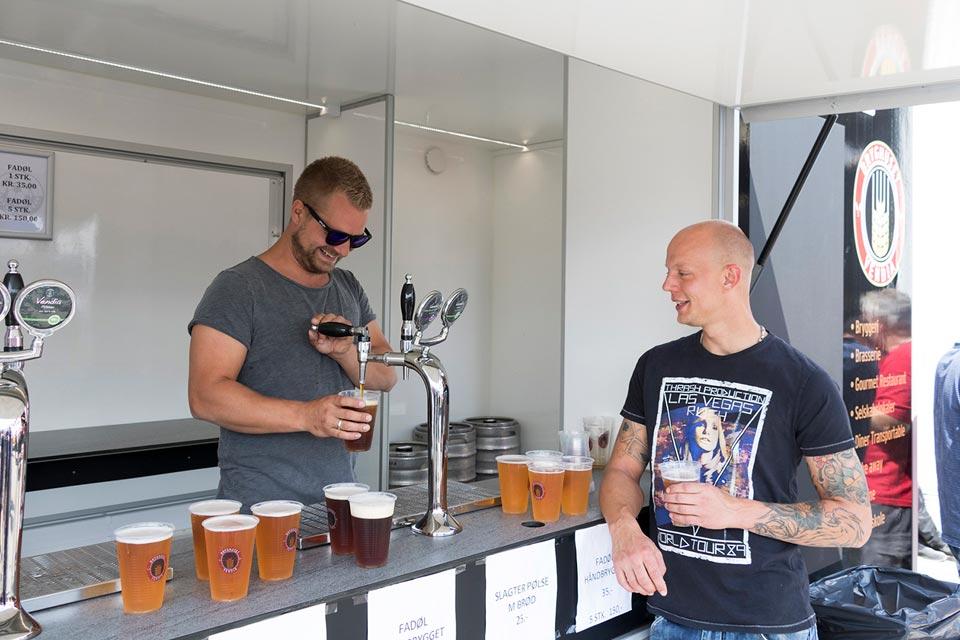 salgsvogn servering af drikkevarer