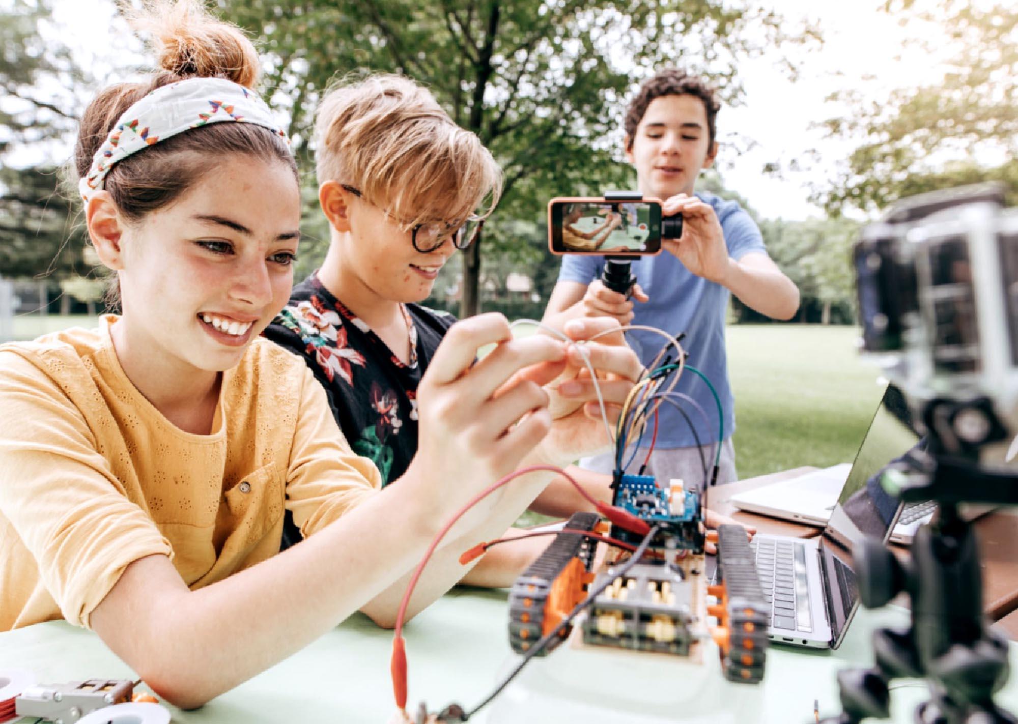 children building robots
