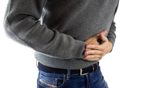 This article discusses abdominal pains, what upper abdominal pains and lower abdominal pains could be linked to, and when you should seek out medical help.