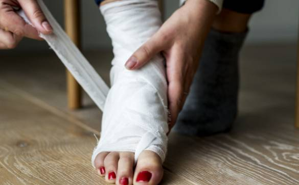 Broken bones or fractures are one of the most common injuries. Learn how fractures can be prevented, diagnosed, and healed.
