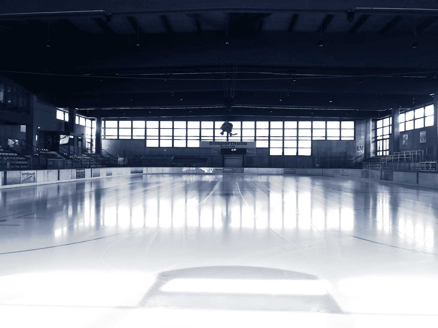 Bestes Eis und optimale Bedingungen für Sportler und Freizeitläufer auf Germering Kunsteisbahn im Polariom.