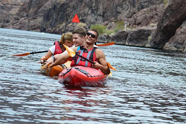 man following kayaking tips for beginners