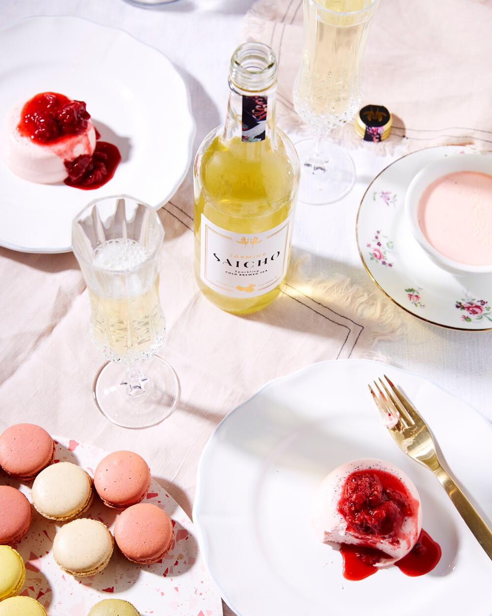Saicho Jasmine sparkling tea paired with panna cotta and macarons