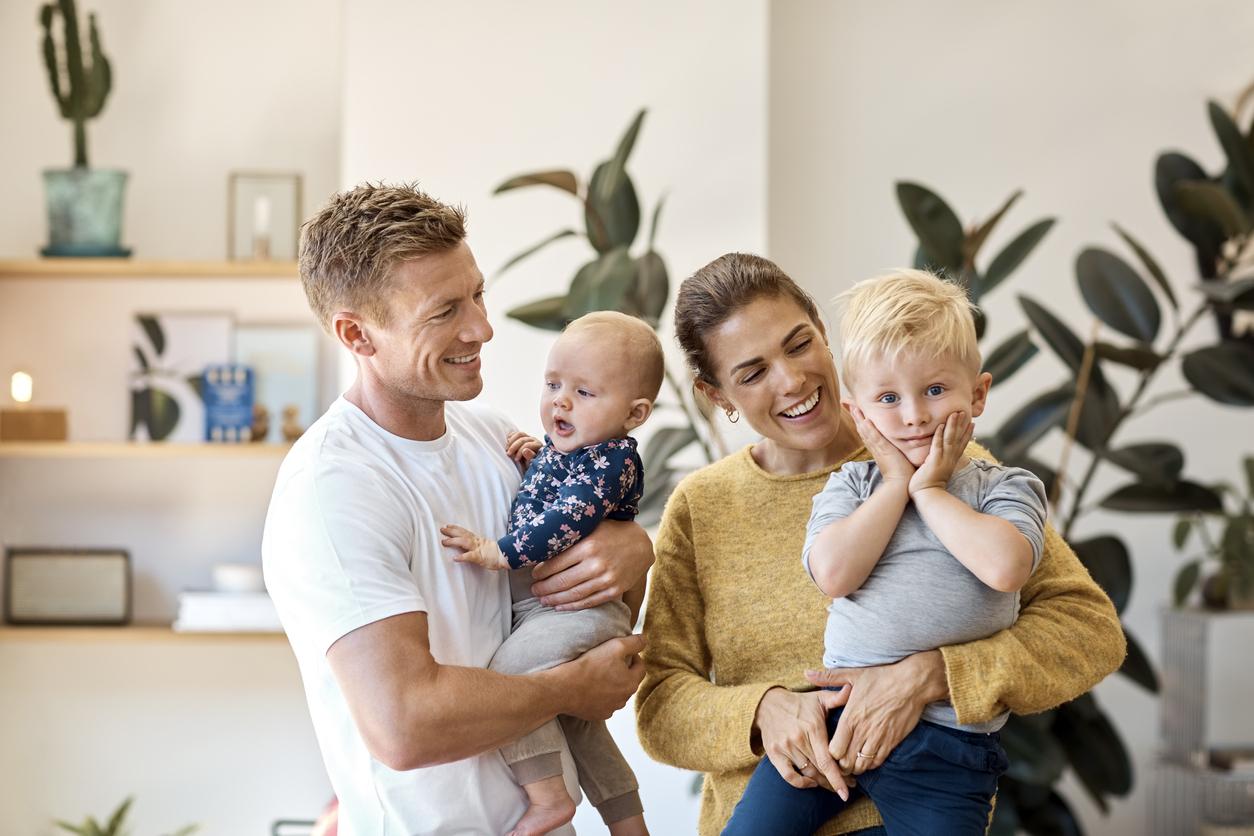 Familj i en lägenhet med IMD