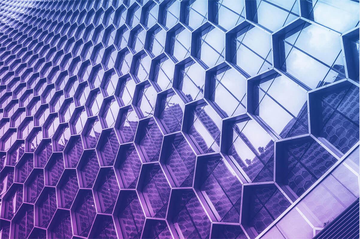 lexbizz Acumatica skalierbare Infrastruktur Gebäude Muster mit Farbverlauf