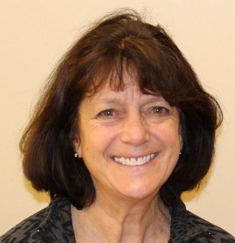 Cindy Luebke Headshot