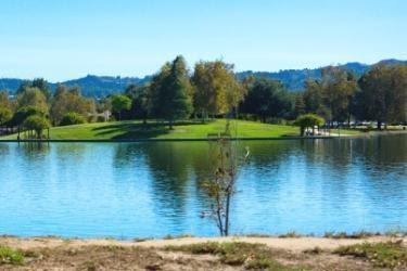 Lake Balboa Park View