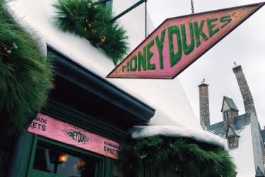 Honeydukes store front at Universal Studios
