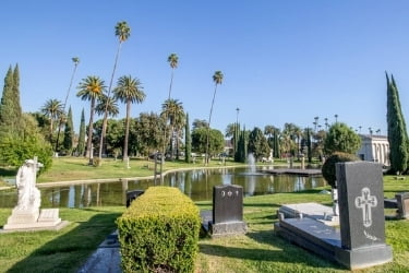 Hollywood Forever Cemetery lake