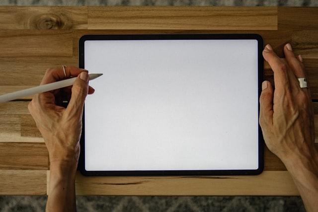 Assinatura digital: qual a validade jurídica e o que diz a lei?