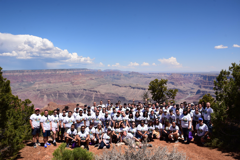 group-photo-at-grand-canyon