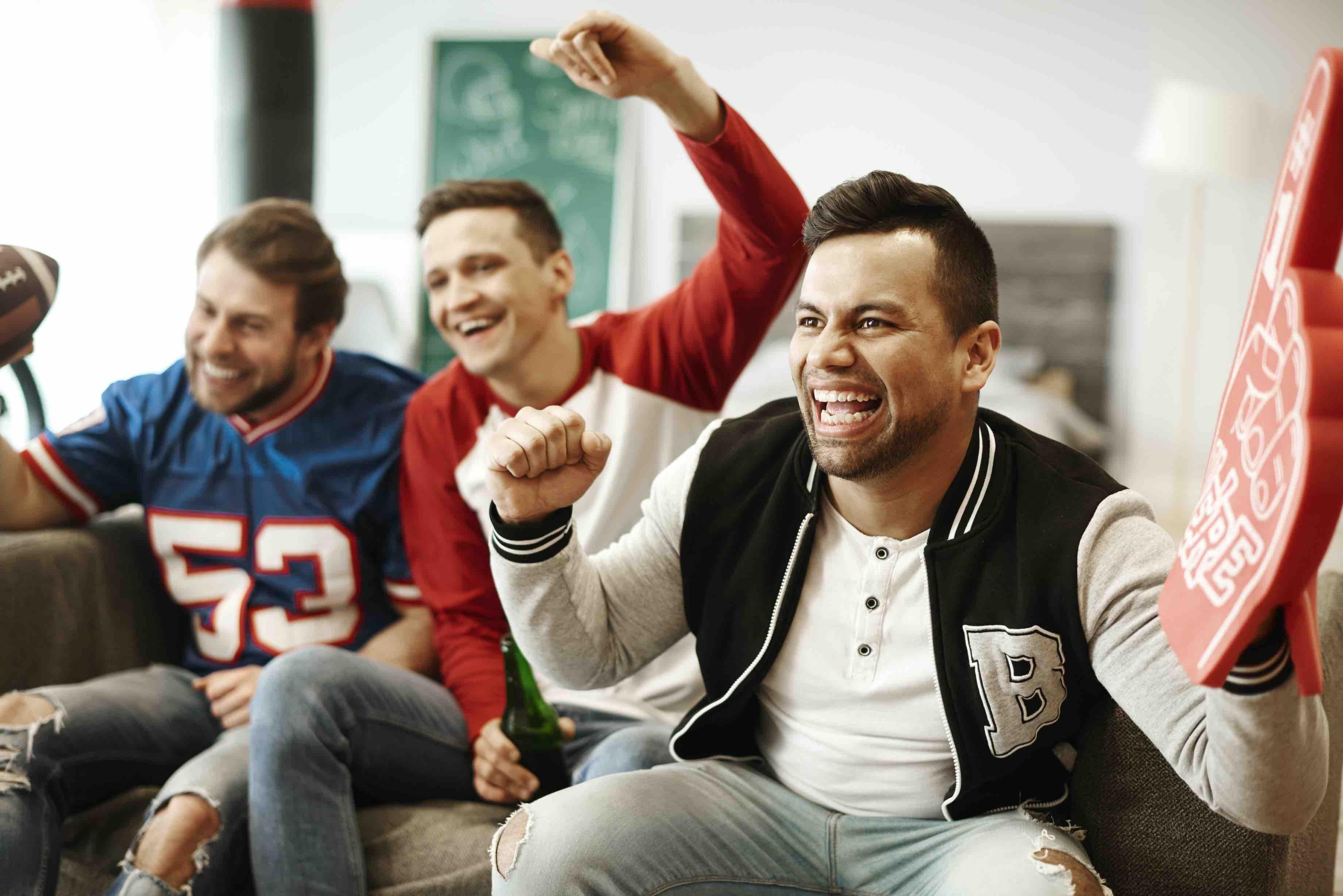 men-reacting-to-sports
