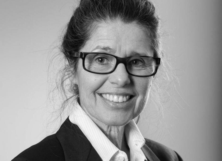 Dr Lynne Lane