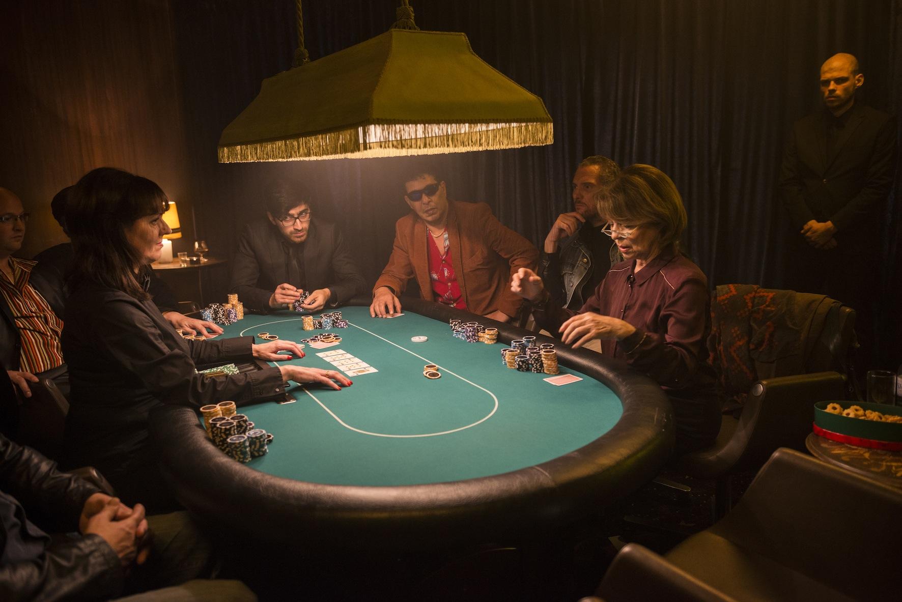 Pokerface (Oma zockt sie alle ab)