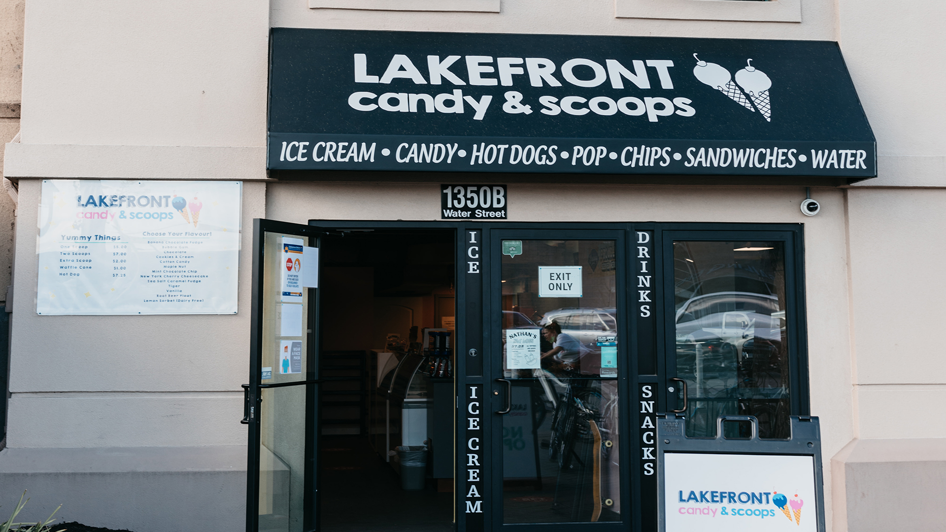 Lakefront Candy & Scoops Downtown Kelowna