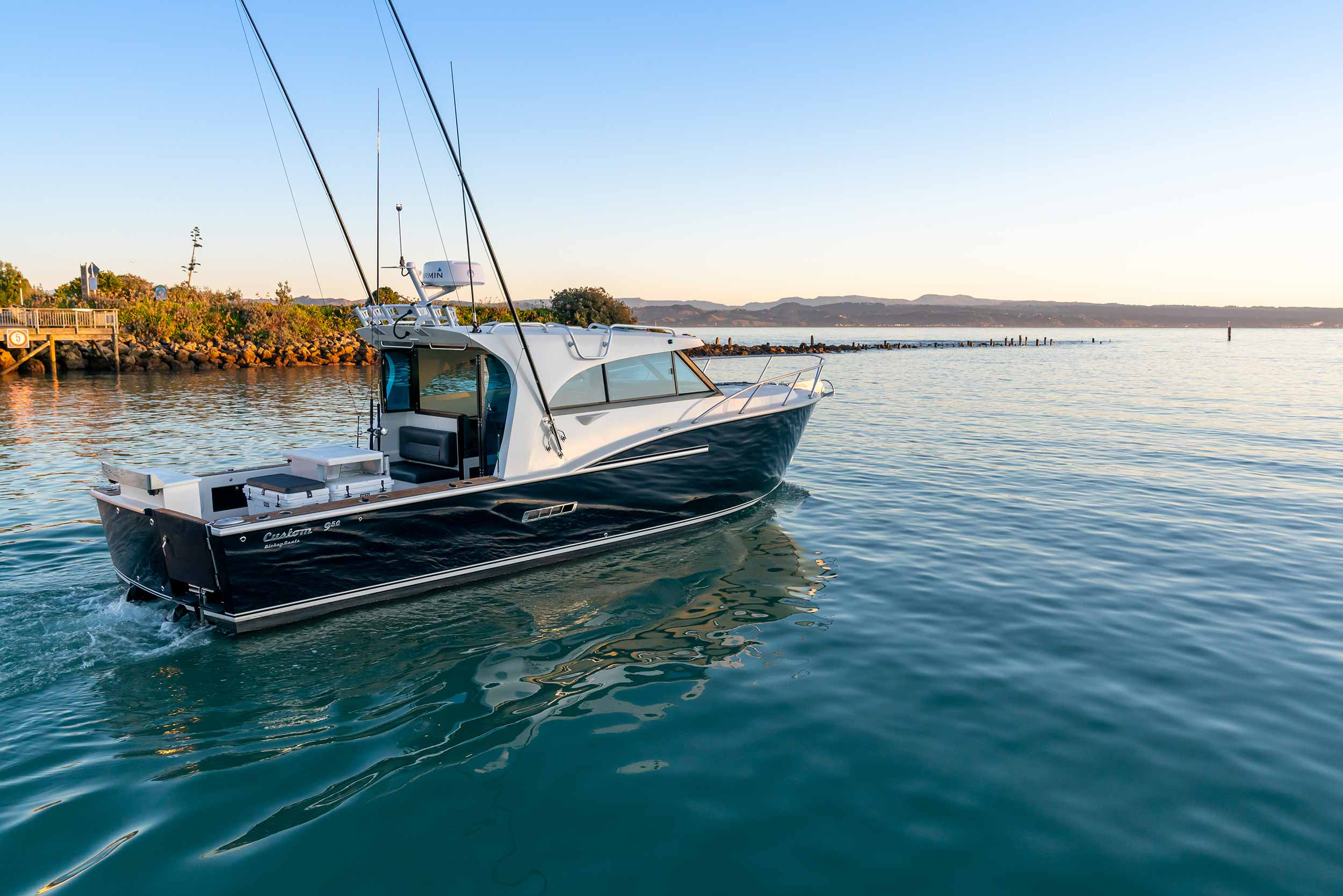Custom 950 reviewed by Boating New Zealand