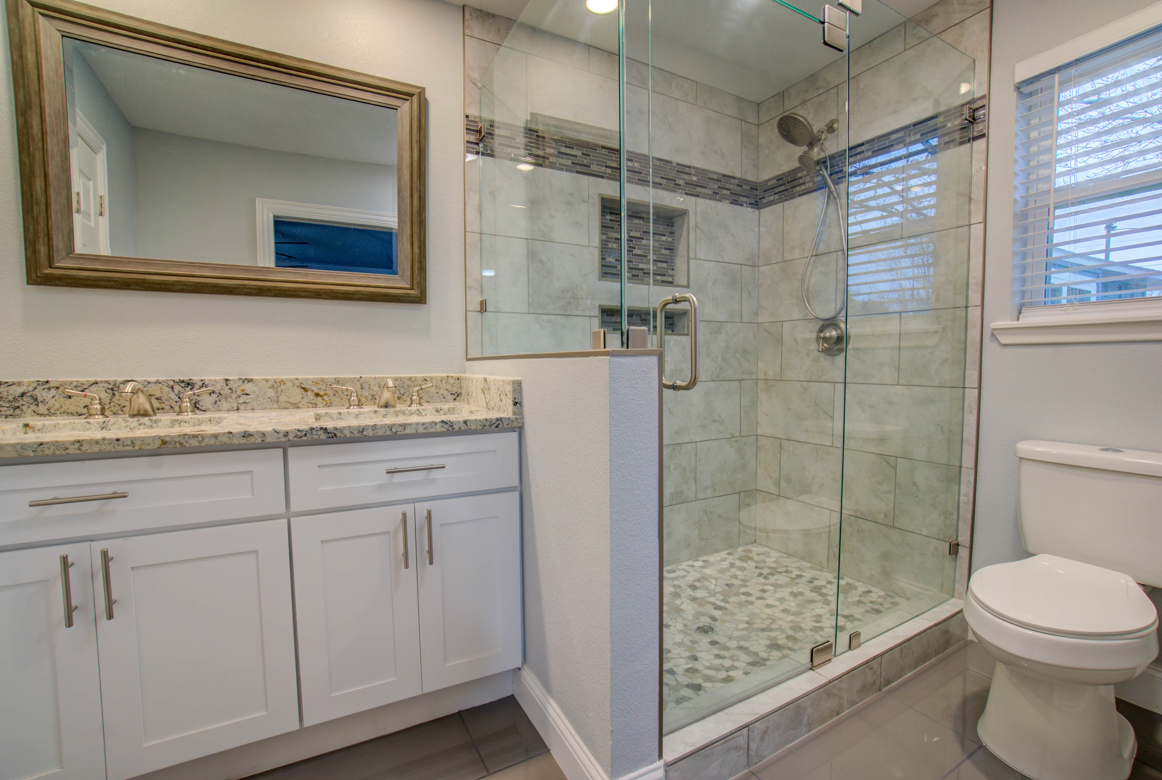 Real Estate Photography Bathroom Shower Pic