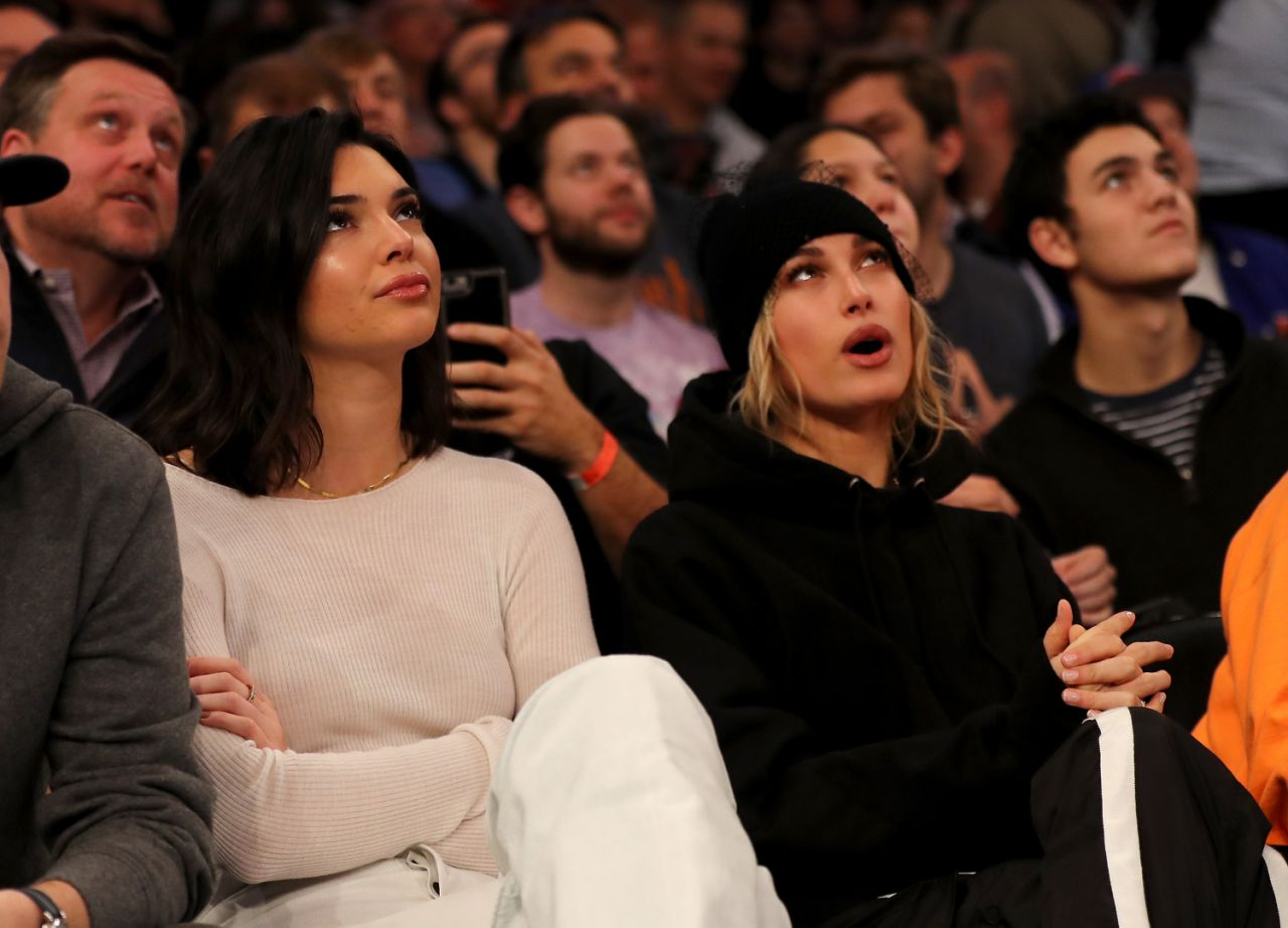 <p>Kendall Jenner and Hailey Baldwin attend the game between the New York Knicks and the Los Angeles Clippers at Madison Square Garden on November 20, 2017. </p>