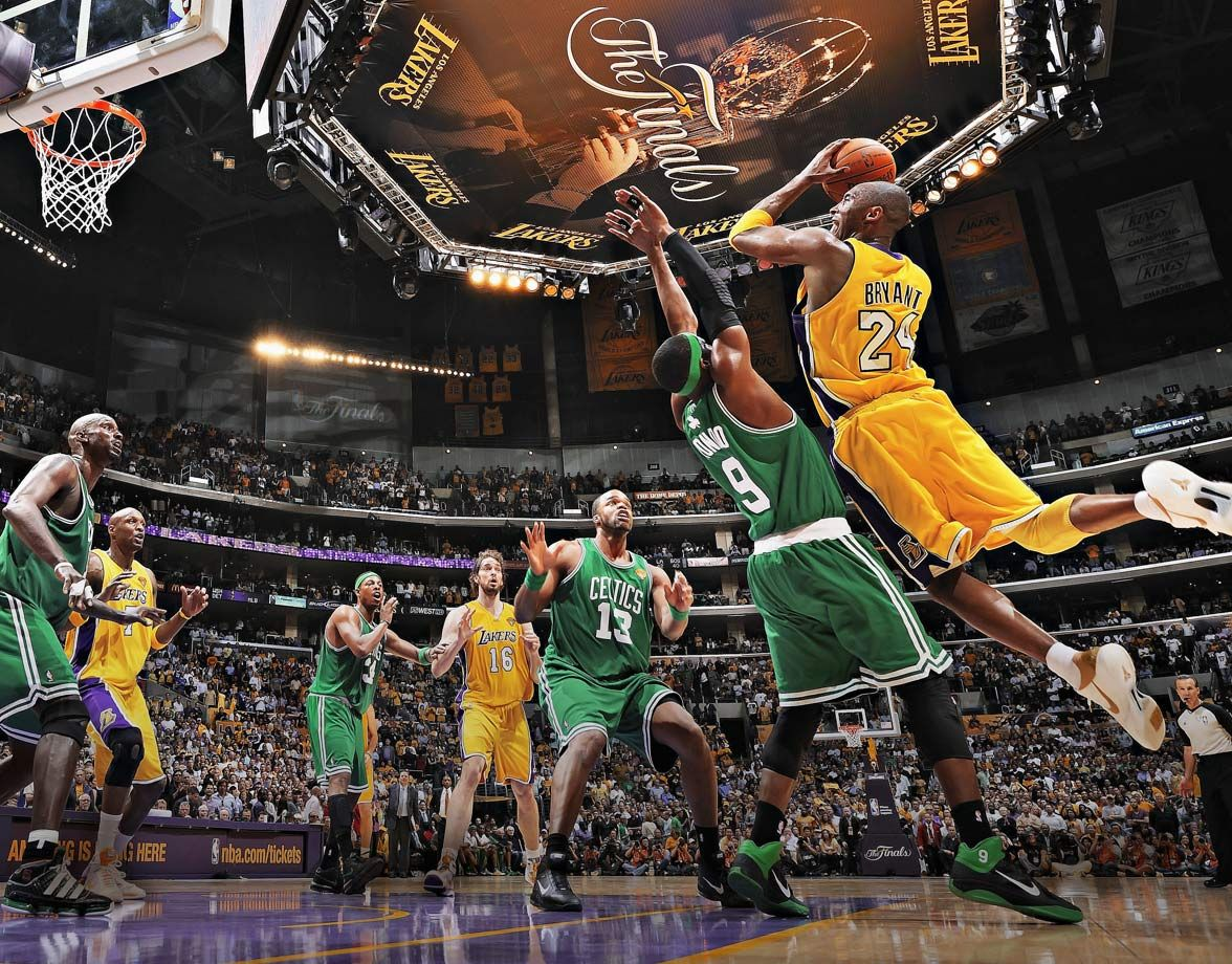 Kobe Bryant looks to shoot over Rajon Rondo during Game 6 of the 2010 NBA  Finals. Down 3-2 in the series, Kobe and t… | Lakers kobe, Kobe bryant,  Lakers vs celtics