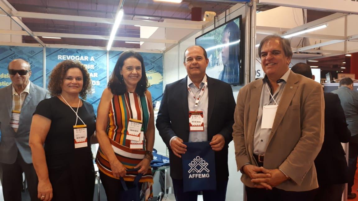 AFFEMG leva informações sobre a Lei Kandir a políticos de Minas Gerais, no 36º Congresso Mineiro de Municípios