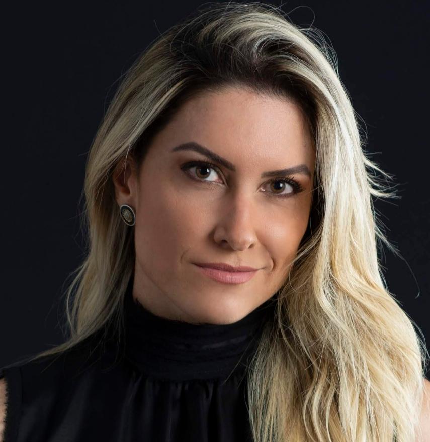 Raquel Capanema