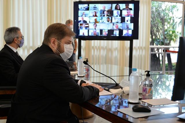 Militares e civis se unem para derrubar pacote de 'maldades' de Zema na Previdência