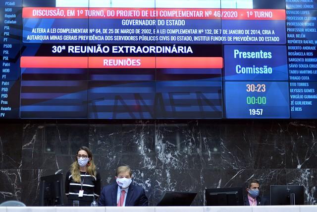 Sem fazer diálogo, Zema leva o 4º substitutivo da reforma nas costas