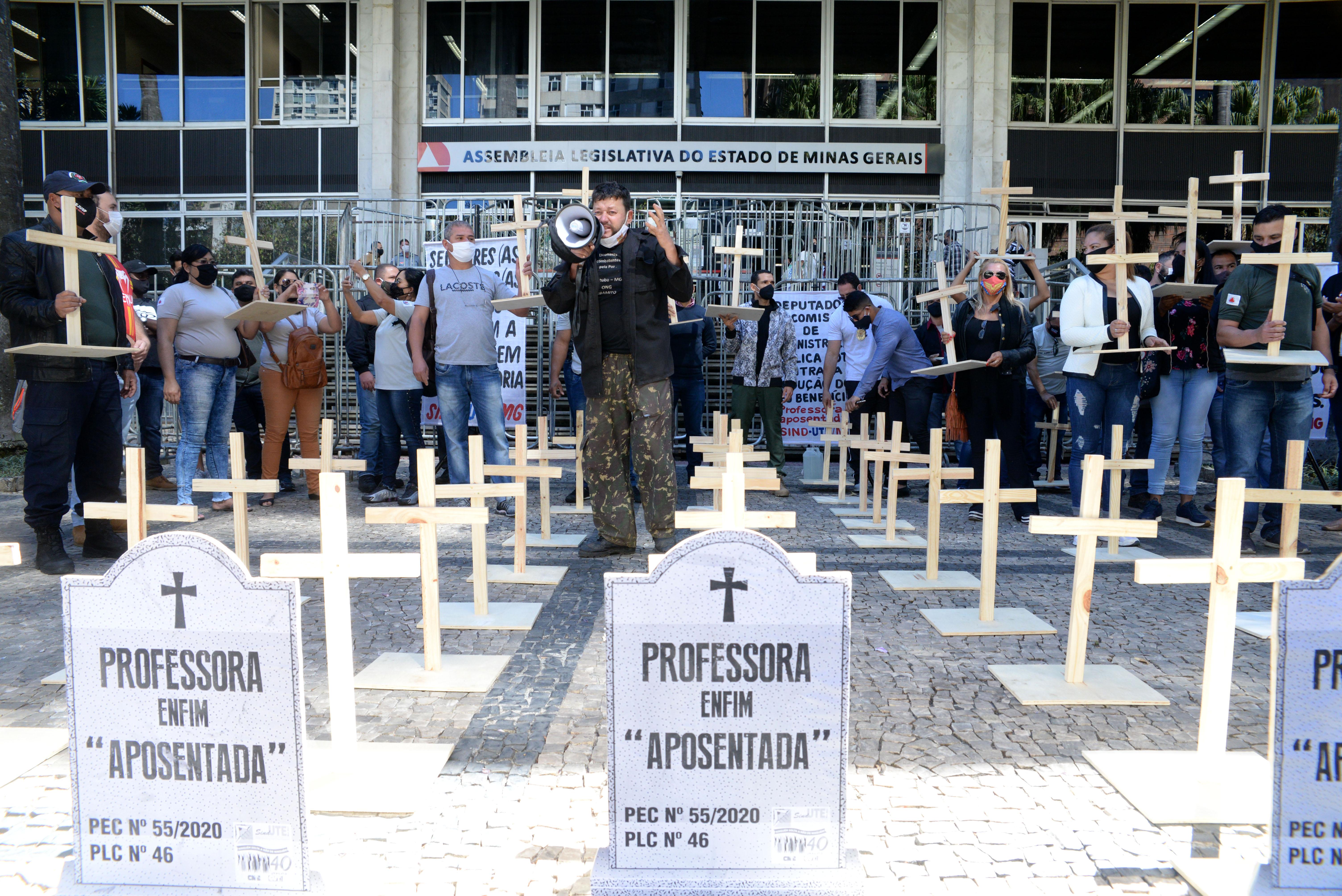 Governador Romeu Zema sanciona projeto de reforma da Previdência em Minas Gerais