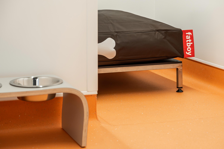 Sleep huts bed and bowl