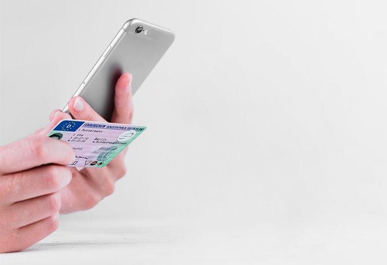 Führerschein prüfen smartphone carsync