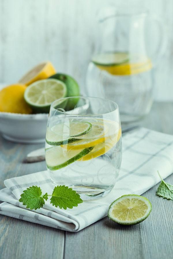Стакан воды с лимоном по утрам: когда полезная привычка становится губительной - фото №6