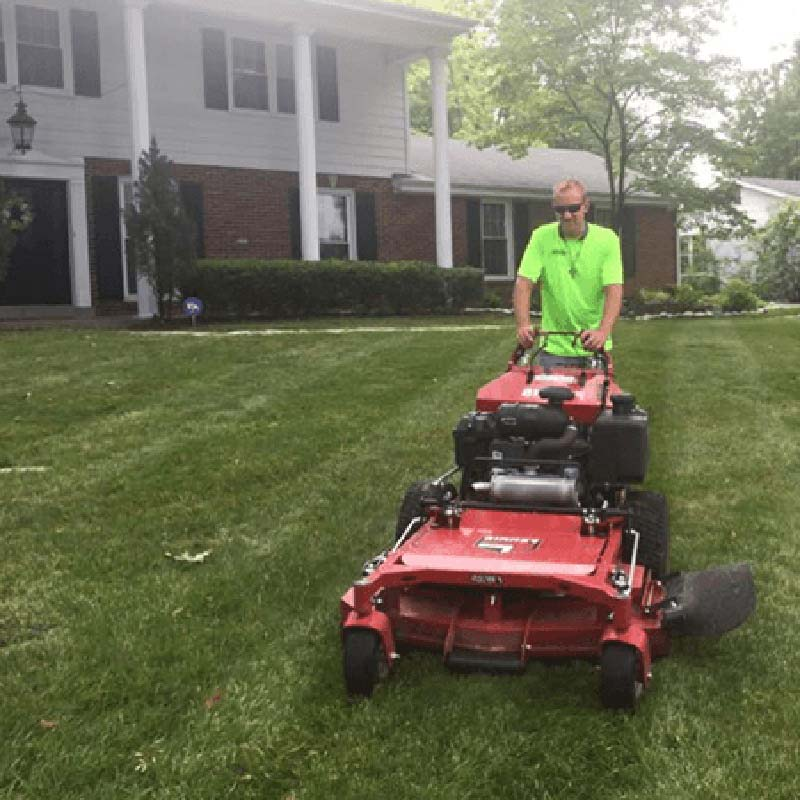 Lawn mowing services in St. Louis, MO