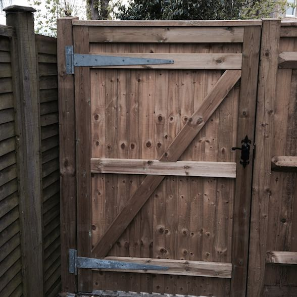 Heavy Frame Gate