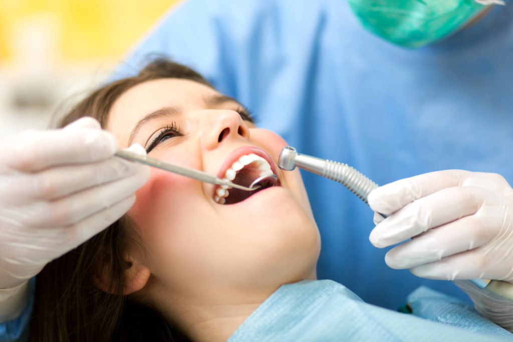 who offers the best dentist hollywood?
