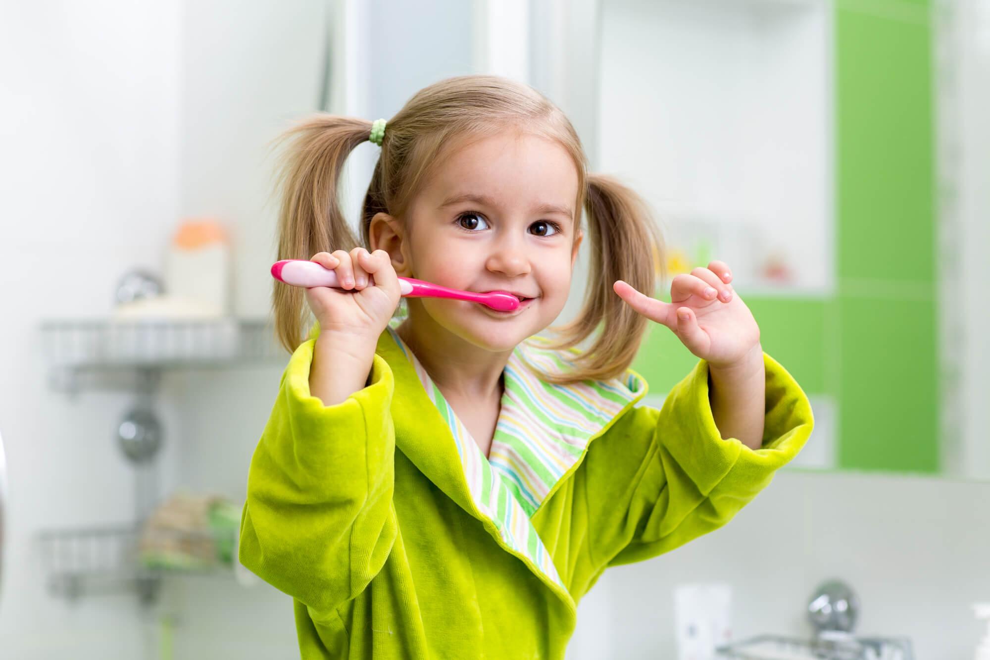 brushing childrens dentist fort lauderdale