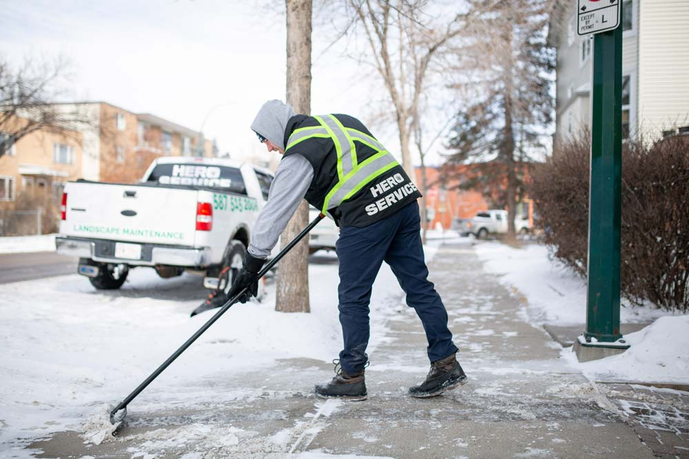 Snow removal services in Calgary, AB