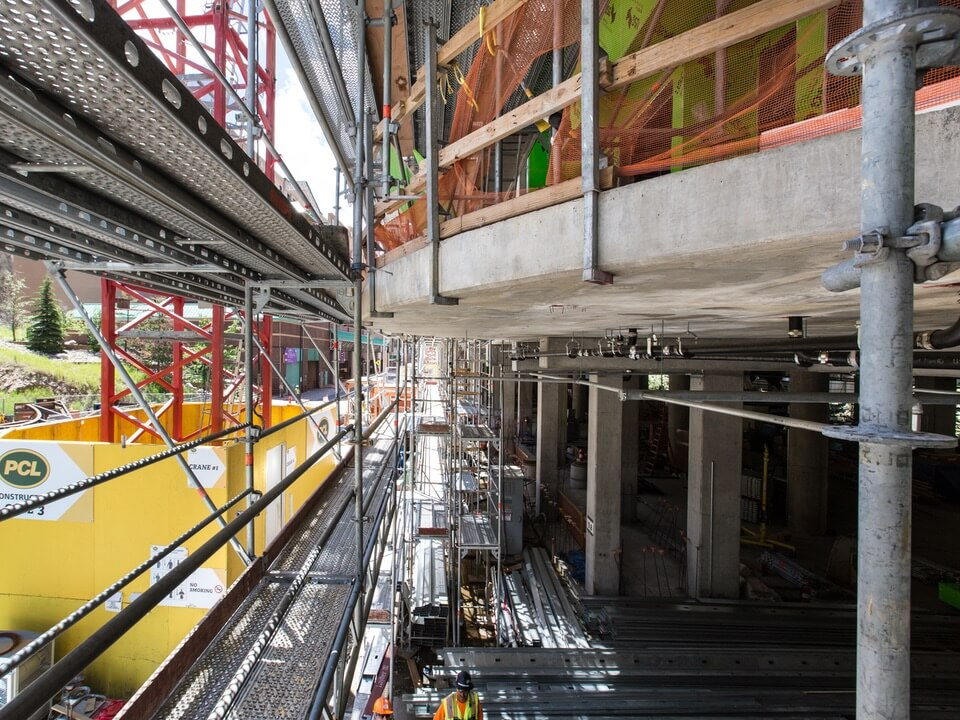 Safe scaffolding on job site
