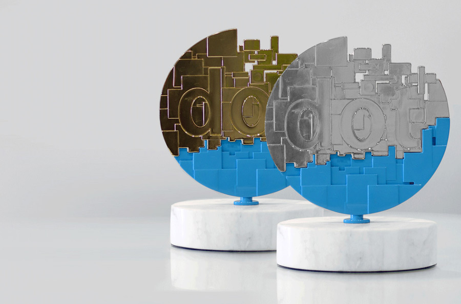 2019 dotCOMM Award Winner Trophy