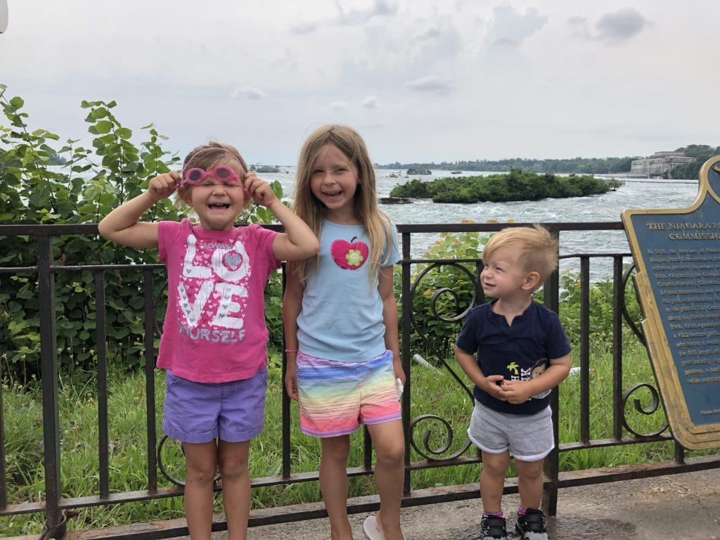 Traveling with kids, there is a way to see Niagra Falls in 3 days