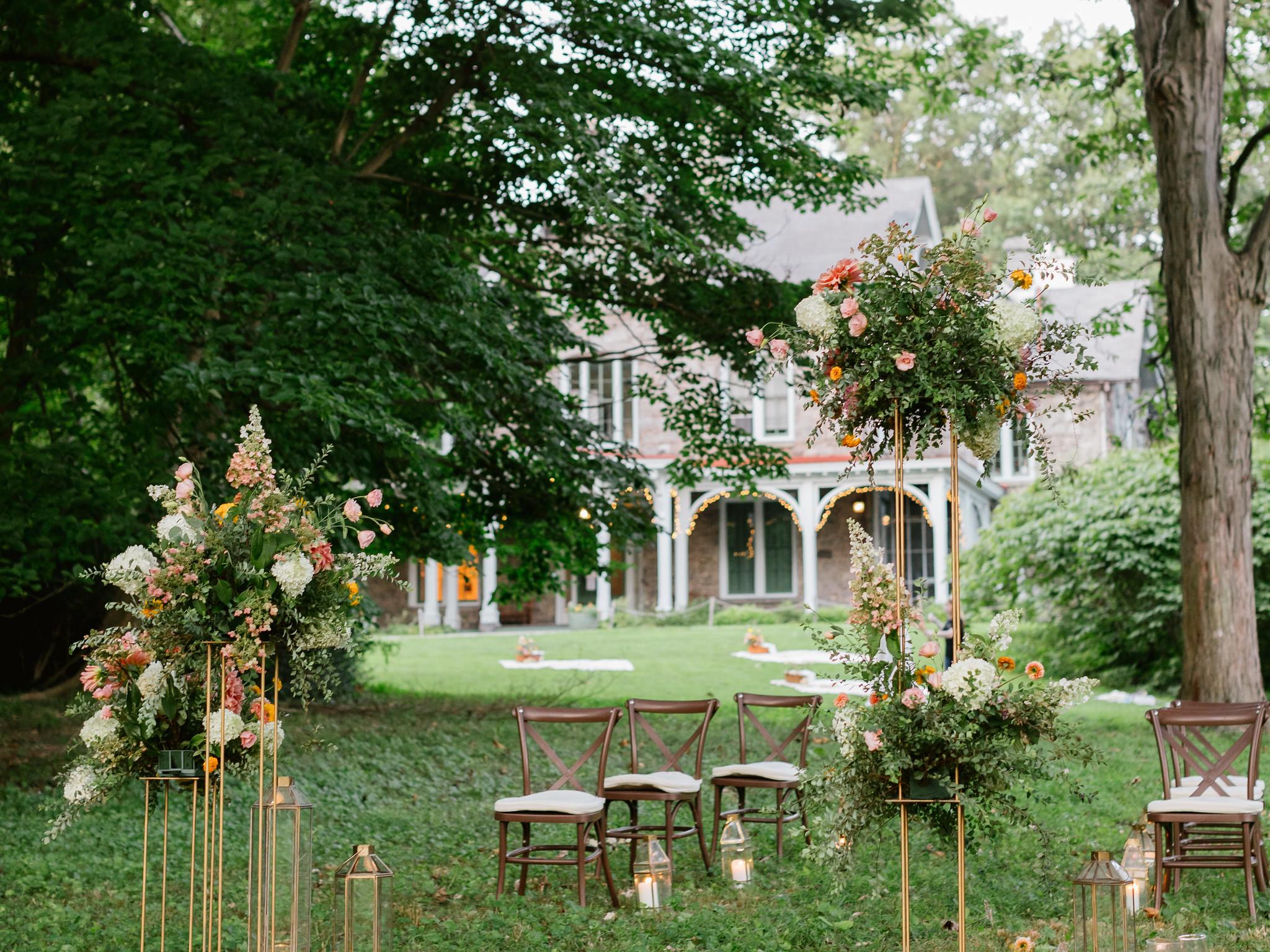 Weddings: Mini, Micro, Petite