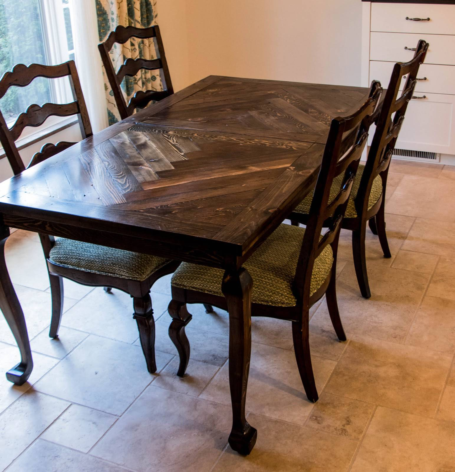 Cabriole Legs - Dining Table Complete 3