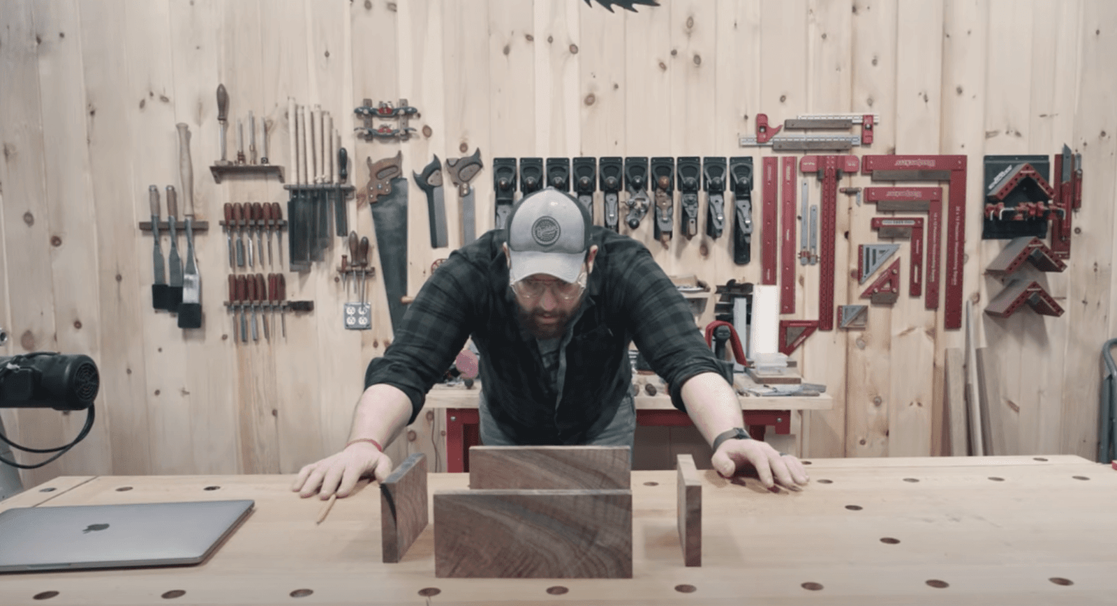 Making gun display box