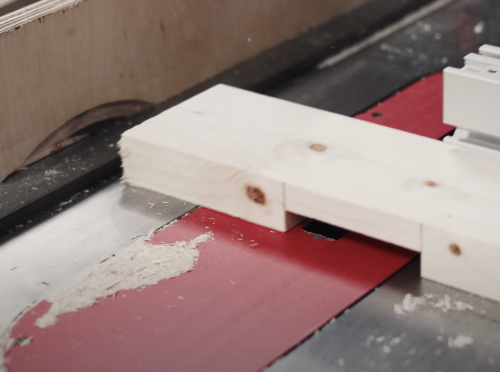 half-lap joint in wood